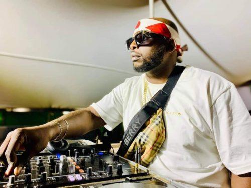 DJ Maphorisa, Soa Mattrix & Mas Musiq - Umama Akekho ft. Nkosazana Daughter